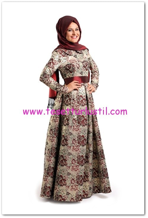 Tuay Karaca bordo çiçek desenli elbise-250 TL