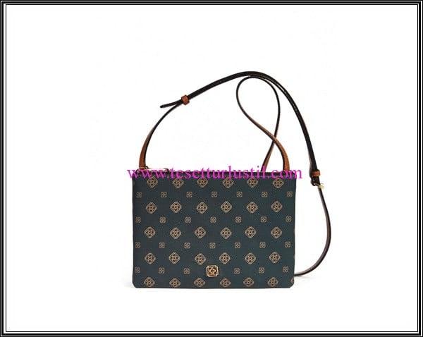 Desa kahve monogram kol çantası-259 TL