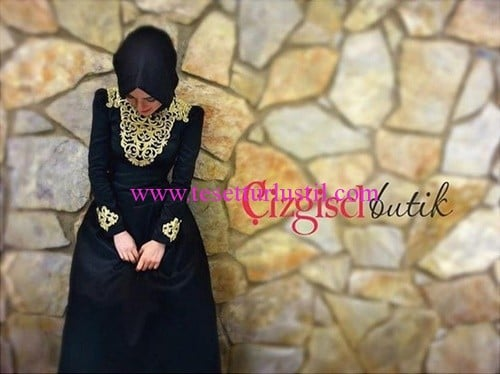 Çizgisel Butik gold işlemeli siyah abiye elbise