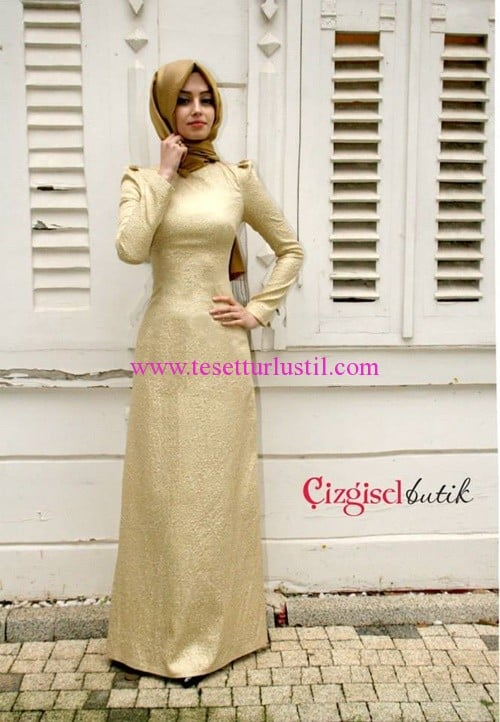 Çizgisel butik dar kesim parlak abiye elbise