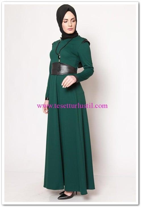 modamerve uzun kuşaklı zümrüt elbise